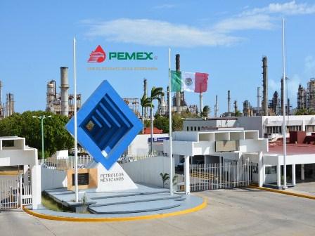 Controlado conato de incendio en tanque de almacenamiento vacío en Salina Cruz: Pemex