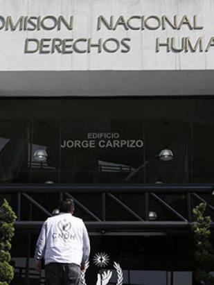 Demanda CNDH esclarecer emboscada a policías