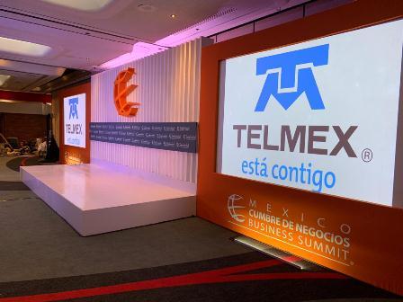 Telmex conecta a México