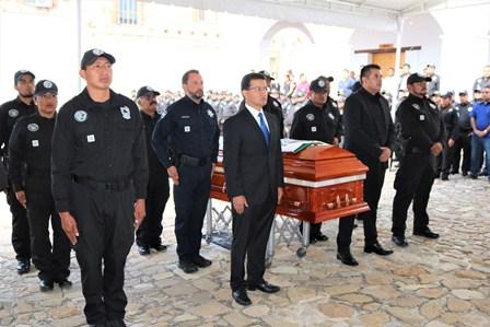 """""""Toda la fuerza Institucional para hacer justicia y capturar a homicidas de agente"""": Fiscal General"""