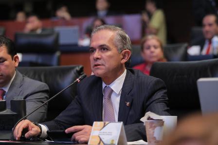 ¿Por qué el presidente de EU no nos ayuda allá, en su país?, cuestiona Mancera Espinosa